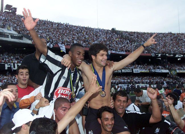 "Robinho (L) and Diego, the ""Vila boys"", proved in 2002 that in Brazilian football, you can win things with kids. Photograph: Ari Ferreira"
